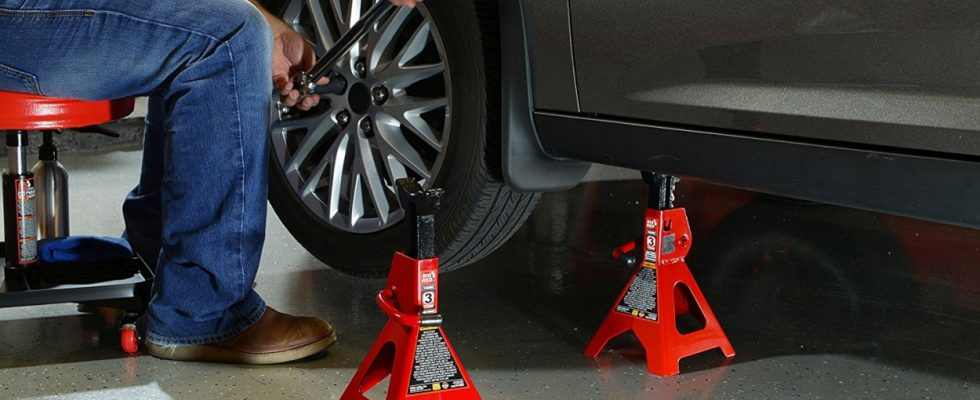Buying the best car jack stand is not a hard task. Here is the buying guide you need